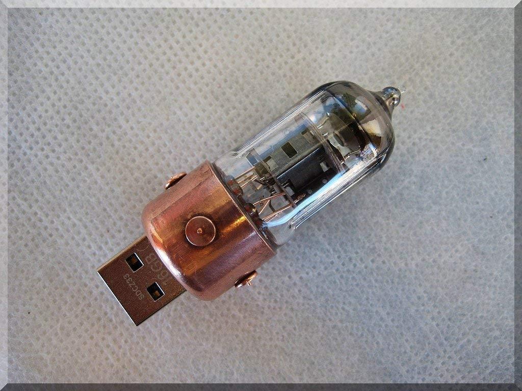 Orange Pentode Radio Tube USB Flash Drive 128GB