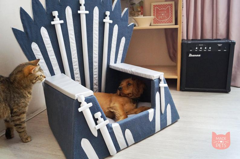 Game of Thrones Cat bed Iron Throne
